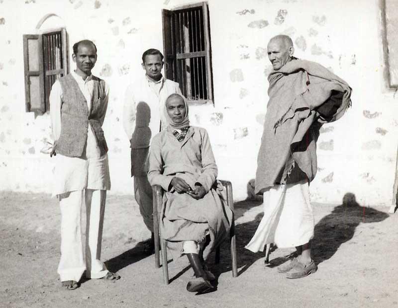Nanabhai Bhatt in his Last days with Swami Anand  - Lokbharti Gallery